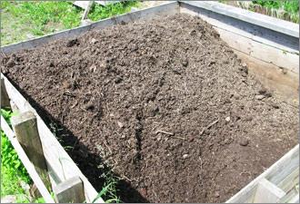 Как надо делать компост и где его хранить?