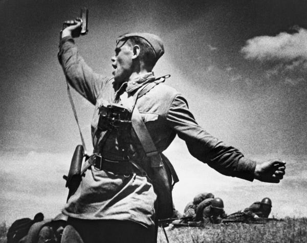 """""""Комбат"""" - история знаменитого фронтового снимка"""