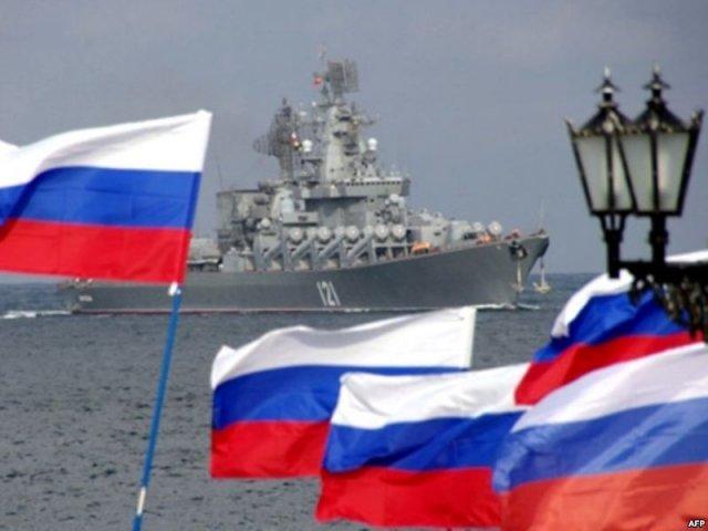Р. Ищенко: На Западе «должны радоваться тому, что произошло в Крыму»