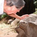 Современный Робинзон: Брендон Гримшоу прожил 40 лет на необитаемом острове! (статья + 6 фото)