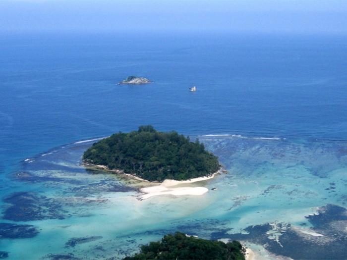 Остров Муаен в Индийском океане