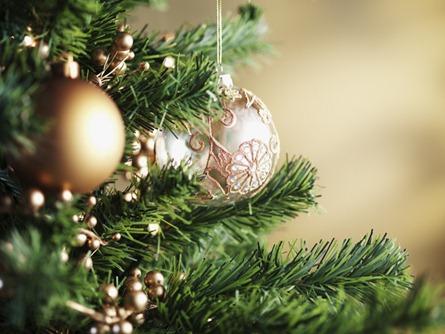 Что висит на ёлке? Ритуал на Новый год для исполнения желаний