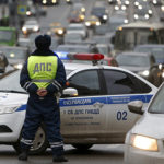 Полиция РФ в ближайшем будущем сможет дистанционно отключить двигатель любого автомобиля