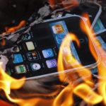 В США iPhone 5c загорелся в кармане у школьницы, она получила ожоги