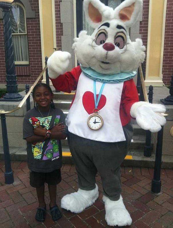 WTF: Кролик-расист из Диснейленда (статья + 4 фото)