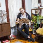 Мужчины с котами (статья + 12 фото)