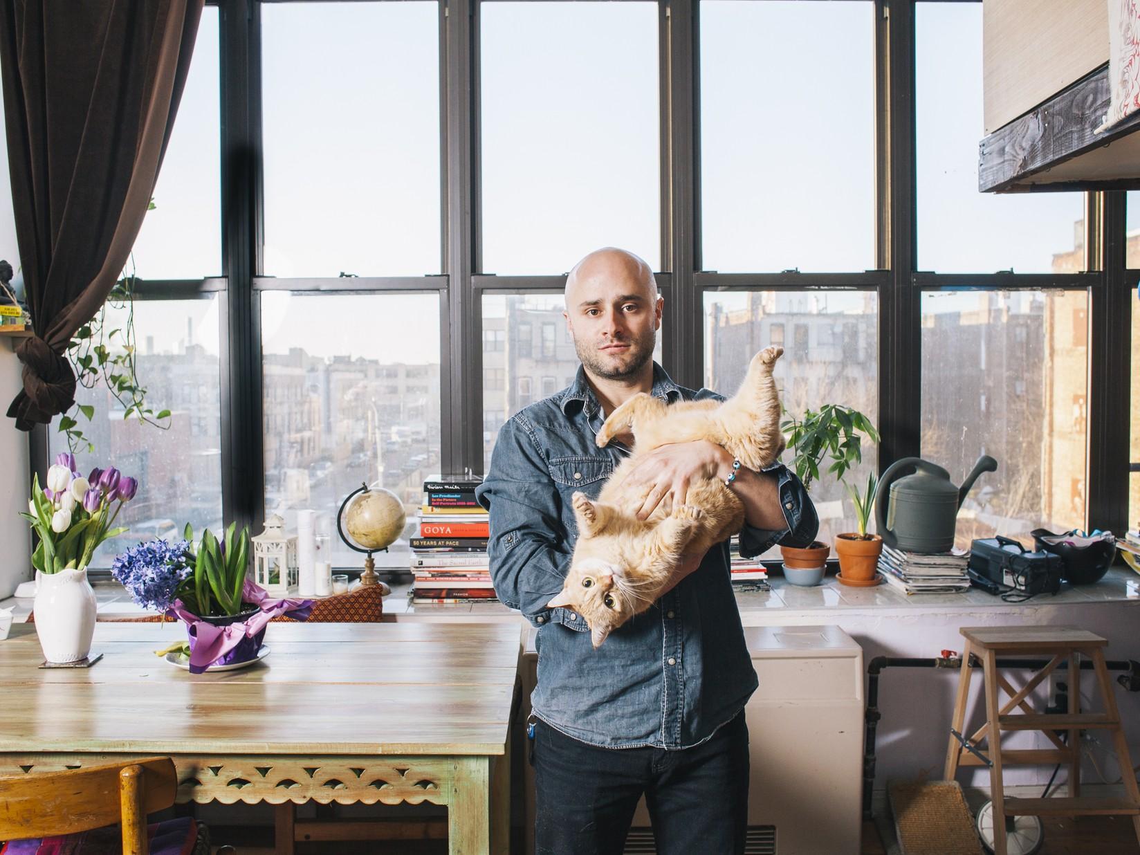 Мужчины с котами (Иэн и Мила)