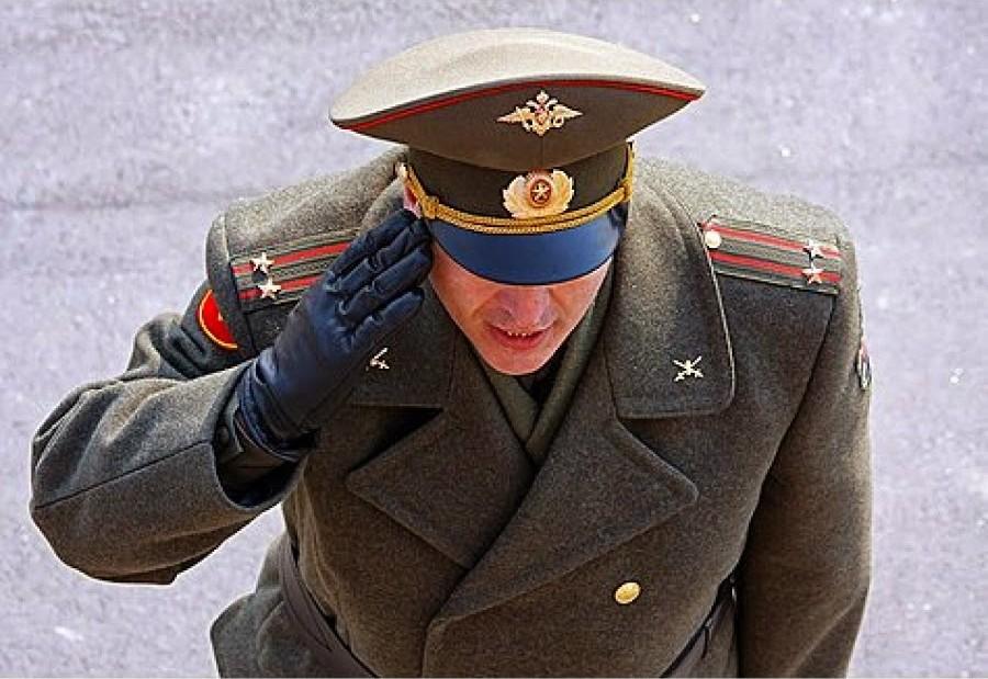 Почему российские военные отвечают на приказ «Есть!»?
