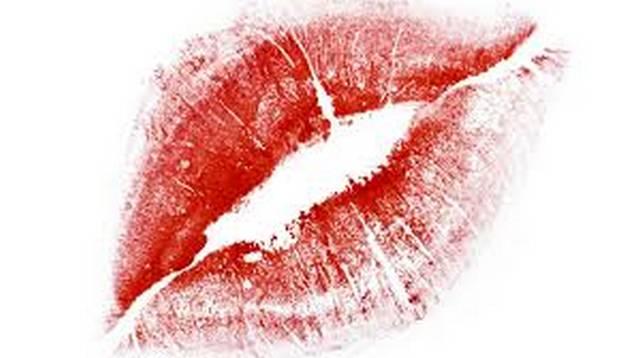 Почему крайне нежелательно целовать человека в лоб