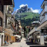 Просто улочка в Швейцарии (фото из городка Энгельберг)