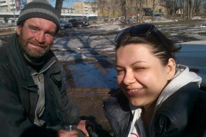 http://3rm.info/publications/34763-sovest-dorozhe-trillionov-bezdomnyy-proehal-desyatki-kilometrov-chtoby-otdat-poteryannyy-bumazhnik-s-dengami.html