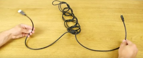 Простой способ хранить даже самые длинные провода компактно и аккуратно (8 фото + видео)
